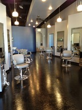 Bladez Salon SPA in Elgin