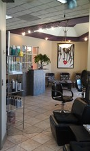 Strandz Salon in Redlands